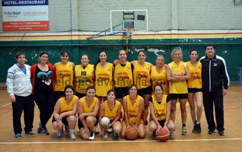 El equipo femenino del Español y su amplio plantel quieren Liga Costera.