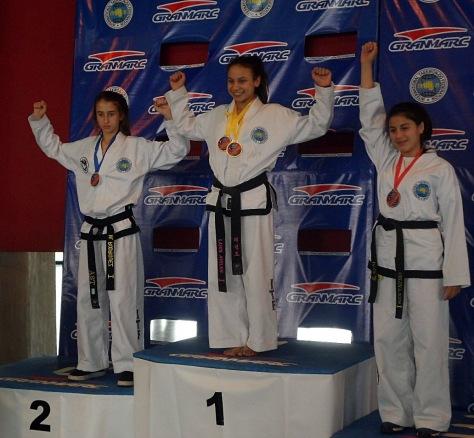 Podios y más podios en el Nacional de Taekwondo.jpg