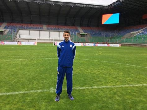 Duncan en el moderno Estadio La Predera en San Luis, previo al debut frente a Portugal..jpg