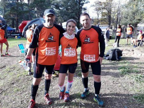 Miguel Mendoza, Lucia y Mario Gerber fueron tres de los geselinos que corrieron en los picos de Villa Ventana..jpg